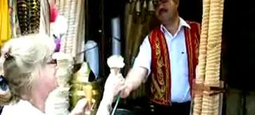 Va invit la o inghetata turceasca