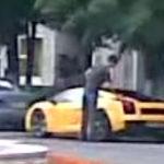 Lamborghini spalat cu galeata