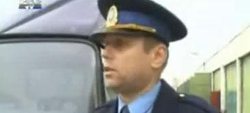 un-politist-la-promotor