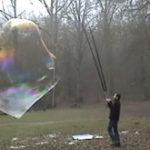 Singur cu baloanele mele de sapun