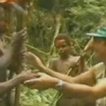 Reactiile unui trib care intalneste pentru prima oara un grup de oameni albi