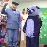 Iar acum sa-l invitam in scena pe domnul Panda!!