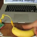 Ma joc Diablo3 cu o banana