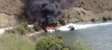 Asa se stinge un incendiu pe o barca