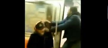 Furt suprins pe camera video in metroul din New York