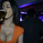 Asa isi bea o femeie rapid berea