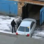 Femeia la volan (45) – sa parcam masina in garaj