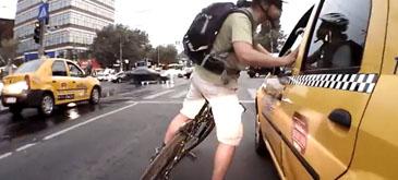 Biciclist VS Taxi (Bucuresti)