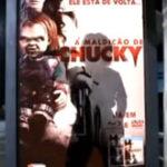 Asa se promoveaza un film de groaza (2)