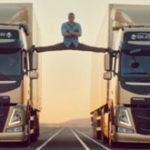 Sa conduc printre doua camioane….. (6)