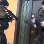 """""""Deschideti, politia!"""" iar usa s-a deschis! (4)"""