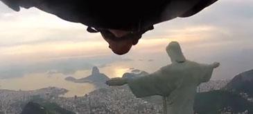 Wingsuit Fly-By - Rio de Janeiro, statuia lui Iisus