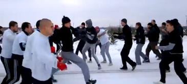Rusii se lupta ca in Evul Mediu