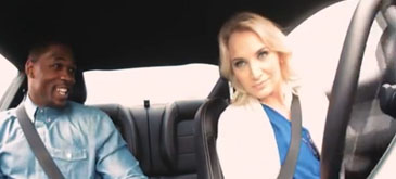 Femeia la volan (68) – Blondele stiu sa conduca
