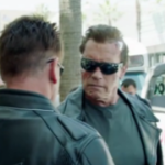 Arnold se tine de farse