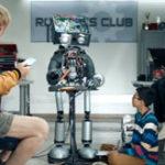 "Christoph Waltz este ""Busy, busy, busy"" in noua reclama Samsung"