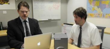 interviu-de-angajare-cu-detectorul-de-minciuni-alaturi